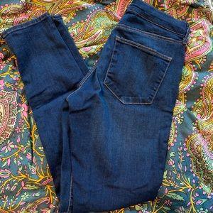Dark wash Topshop skinny jeans. Size 28